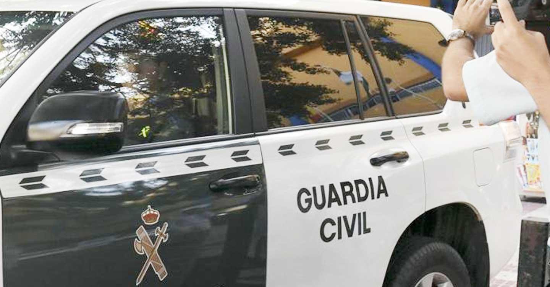 La Guardia Civil reduce a una persona encerrada en un domicilio