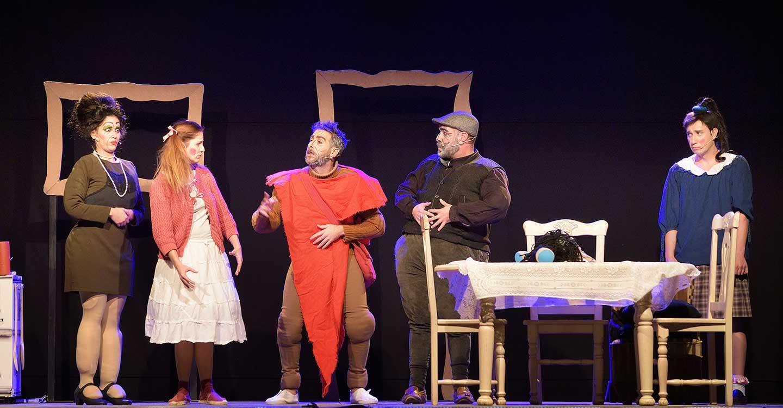 """El grupo ilicitano Teatro en Construcción abre el XIV Certamen Nacional de Teatro Aficionado """"Viaje al Parnaso"""""""