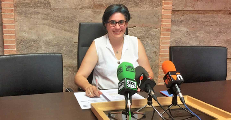 IU Valdepeñas denuncia públicamente los contratos deficitarios del pliego de limpieza ante el inicio de curso escolar.