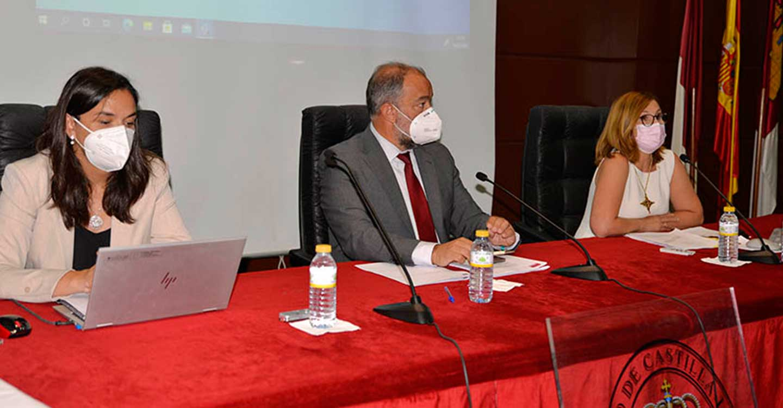 El rector de la UCLM informa al Claustro de su gestión en los siete primeros meses al frente de la institución