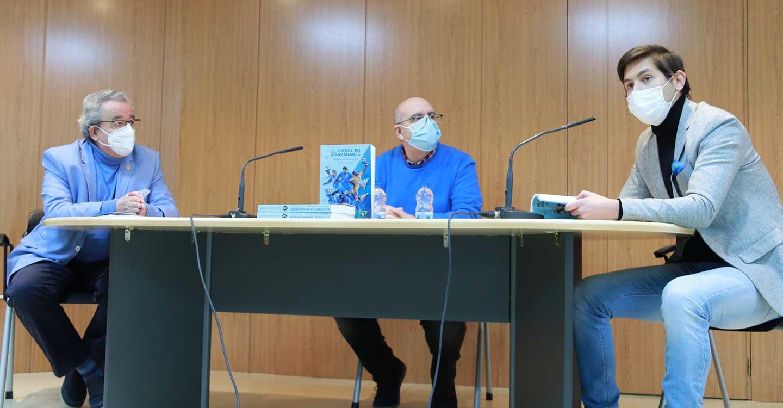 """Julio Jareño presenta el libro """"que el fútbol de Manzanares se merece"""""""