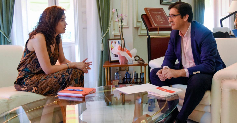 La alcaldesa de Calzada insiste ante Caballero en la importancia de promocionar su pueblo
