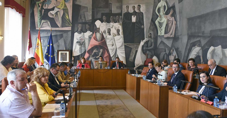 La Diputación Provincial de Ciudad Real aprueba inversiones en pueblos por 442.000 euros y asume la recaudación de los tributos en Alcázar