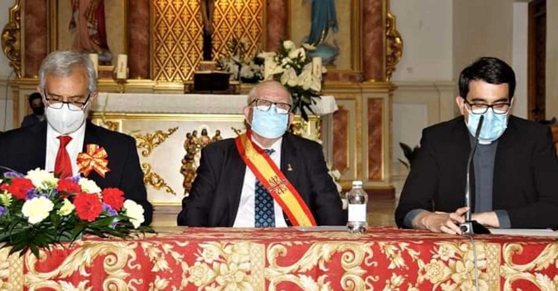 La presentación del libro de Luis María Sánchez Ciudad sobre la devoción a san Jorge anticipó la celebración del patrón de Aldea del Rey