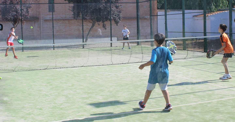 50 niños y adolescentes participan en las ligas de verano de Torralba de Calatrava
