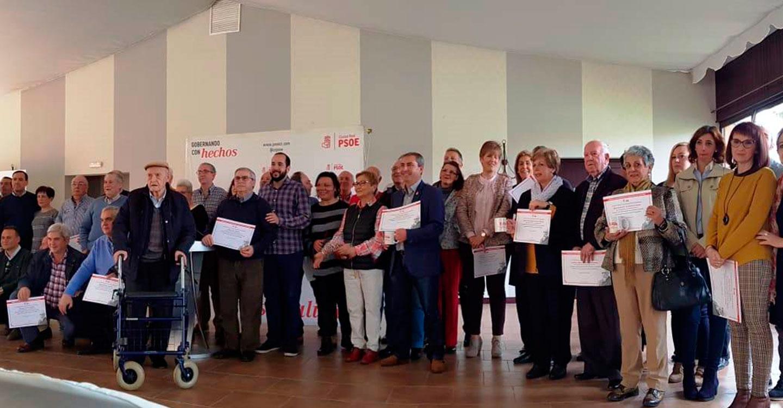 Los socialistas de Almadén reconocen la labor de los alcaldes y concejales de la Democracia