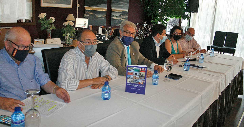 Luis María Sánchez Ciudad obtuvo un notable éxito en la presentación de su libro 'El Cuatrienio reformista en Aldea del Rey (2015-19)'