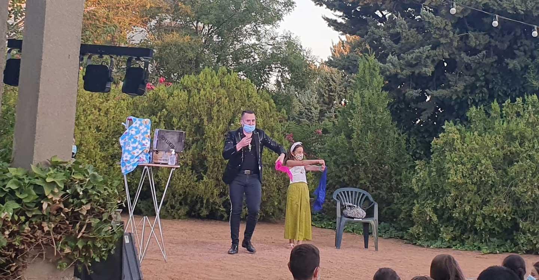 El Mago Lumaky llenó de ilusión el Parque de la Glorieta de Villanueva de los Infantes