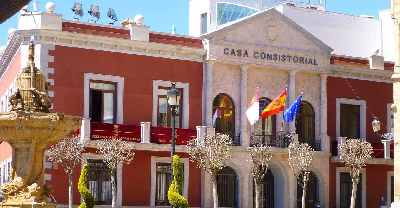 Sanidad Castilla-La Mancha decreta medidas especiales nivel 3 reforzadas en Valdepeñas y medidas nivel 3 en 15 municipios más