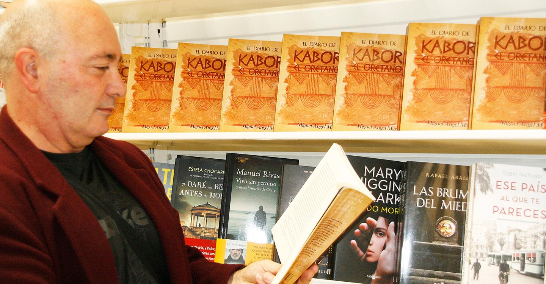Miguel Ángel Márquez firmará, mañana, sábado 29, ejemplares de su exitosa novela 'El Diario de Kabor El Oretano' en la Feria del Libro de Puertollano