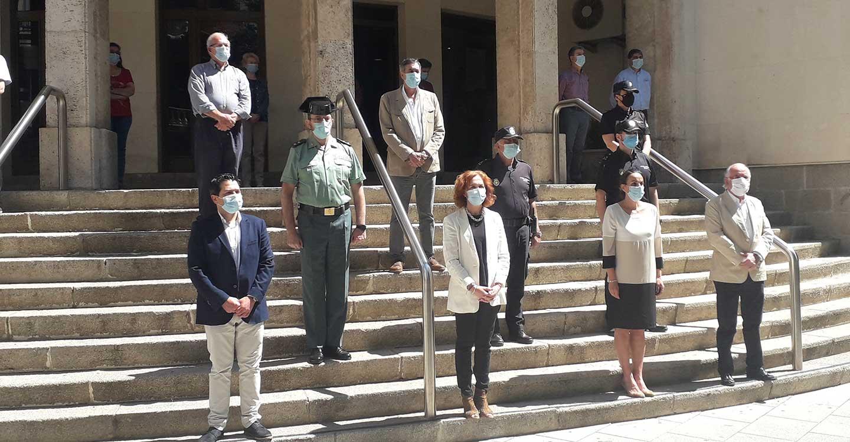 Minuto de silencio en Ciudad Real en el último día de luto por las víctimas del Covid-19