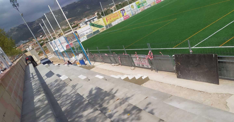 Nuevas gradas para el campo de fútbol de Villarrubia de los Ojos