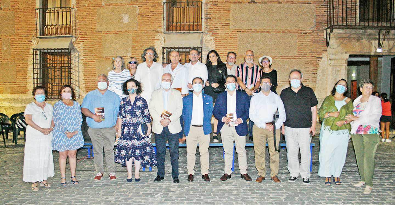 El Palacio de la Clavería de Aldea del Rey acogió por segunda vez la entrega del Premio Nacional de Poesía Valentín Villalón, en esta ocasión al poeta andaluz Manuel Luque Tapia