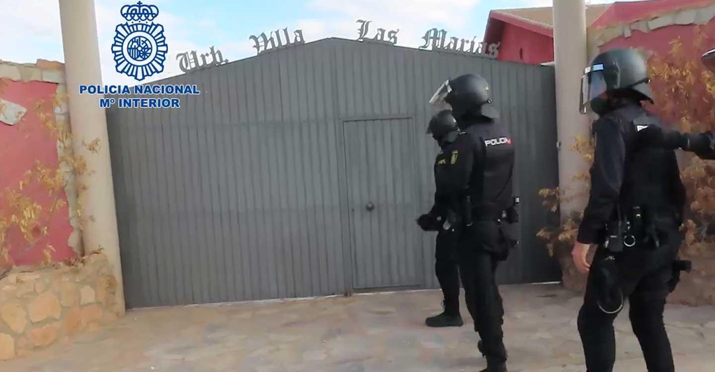 """La Policía Nacional desarticula un grupo criminal de ciudadanos rumanos y albaneses dedicado al cultivo """"indoor"""" de marihuana"""