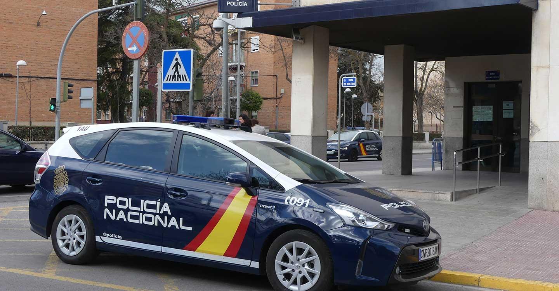 La Policía Nacional rescata a una víctima de violencia de género cuando estaba siendo agredida