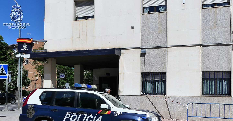 La Policía Nacional detiene a los autores de un robo con violencia que amordazaron a la víctima y la inmovilizaron con bridas