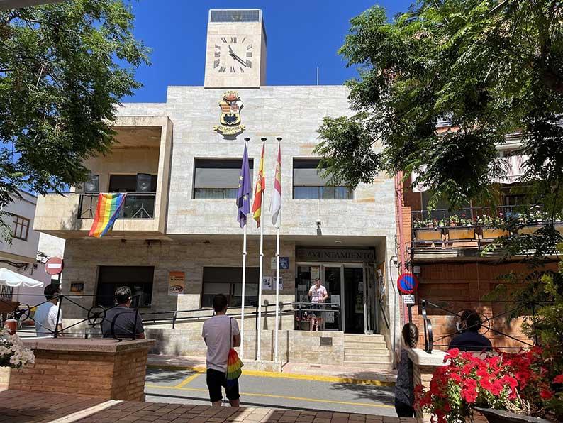 Porzuna alza su voz por la igualdad y la no discriminación del colectivo LGTBI