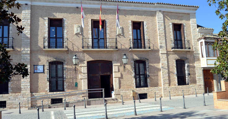 El PP de Villarrubia de los Ojos acusa al alcalde de falsedad en documento público al afirmar que la decisión de suspender la Feria había sido por acuerdo de los grupos municipales