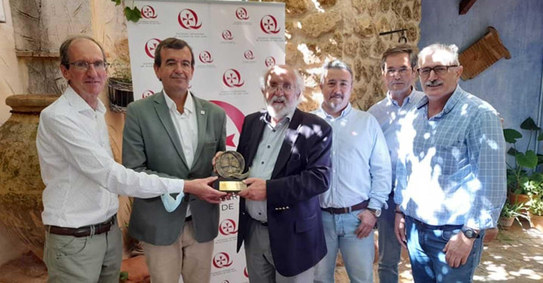 El premio Nobel Michel Mayor visita Alcázar de Cervantes