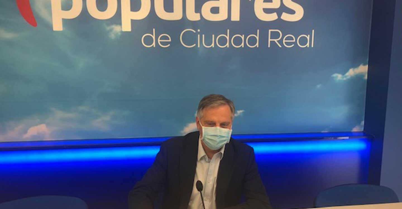 El presidente del PP de Ciudad Real, Paco Cañizares se hace eco de la preocupación de los profesionales sanitarios ante el aumento de casos en la provincia