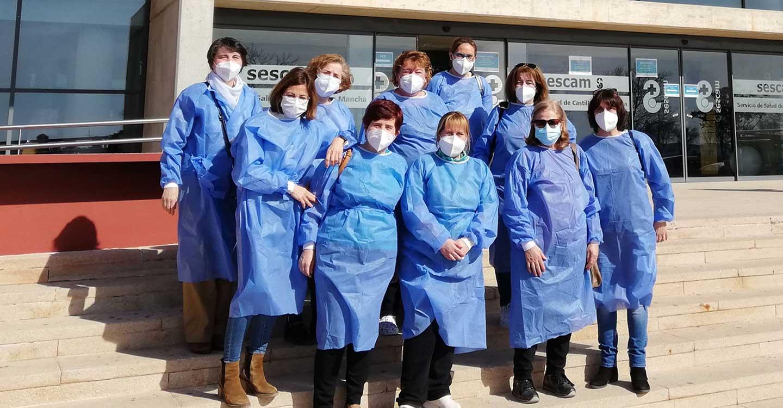 Las profesionales del SAD municipal reciben la primera dosis de la vacuna contra la COVID-19