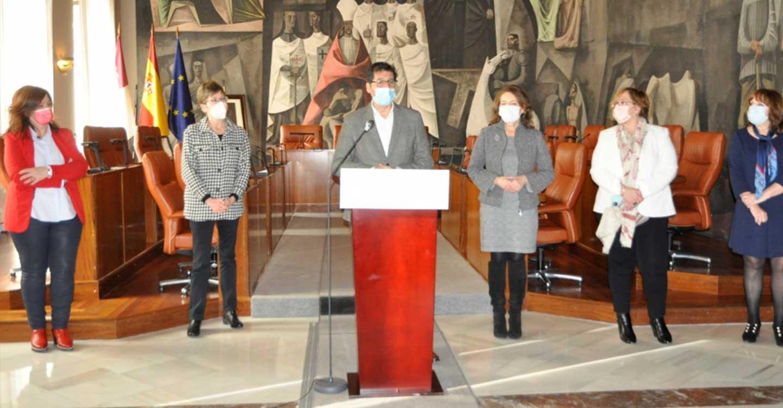 Diputación de Ciudad Real y Junta pondrán en marcha un proyecto pionero de servicio nocturno en las viviendas de mayores de la provincia