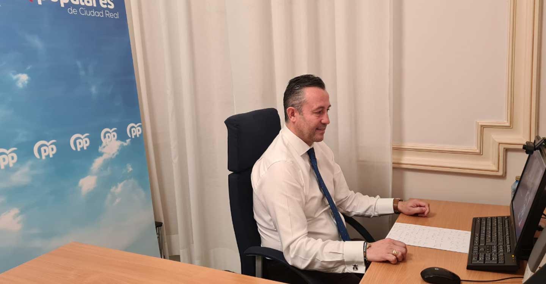 """Fernández : """"El PSOE  además de castigar a los hosteleros castellano-manchegos, los está denigrando al no permitir que ejerzan el Derecho constitucional al trabajo"""""""