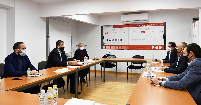 PSOE y FECIR abordan los Presupuestos Generales del Estado y comparten el interés por la ejecución y puesta en marcha de las inversiones en la provincia