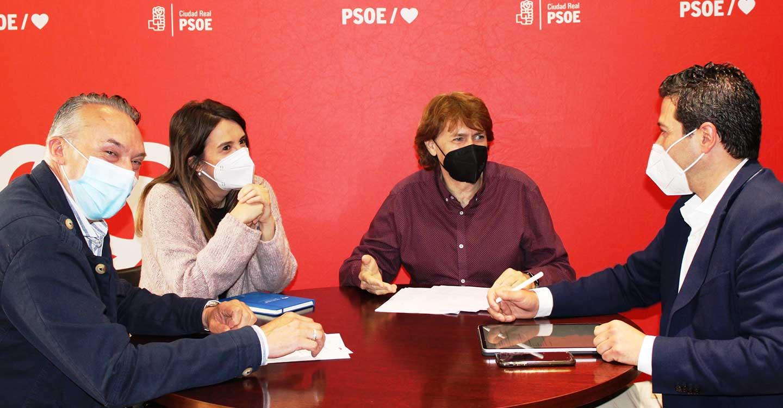 El PSOE de Pozuelo de Calatrava se informa de las oportunidades que ofrecerá, a los desempleados de la localidad, el Plan de Empleo de Junta y Diputación