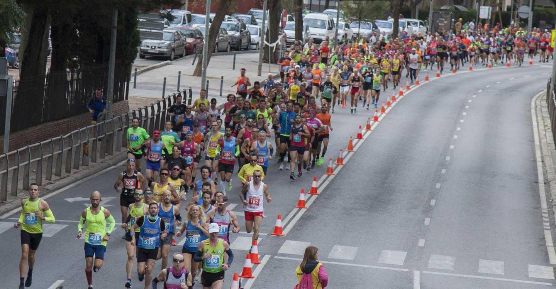 Maratón de récord en su 25 cumpleaños, tanto en hombres como en mujeres
