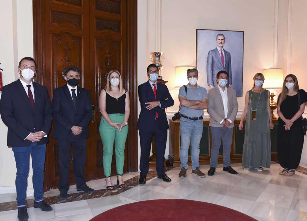 Los Reyes de España presiden desde hoy la antesala de presidencia y del salón de Plenos de la Diputación de Ciudad Real