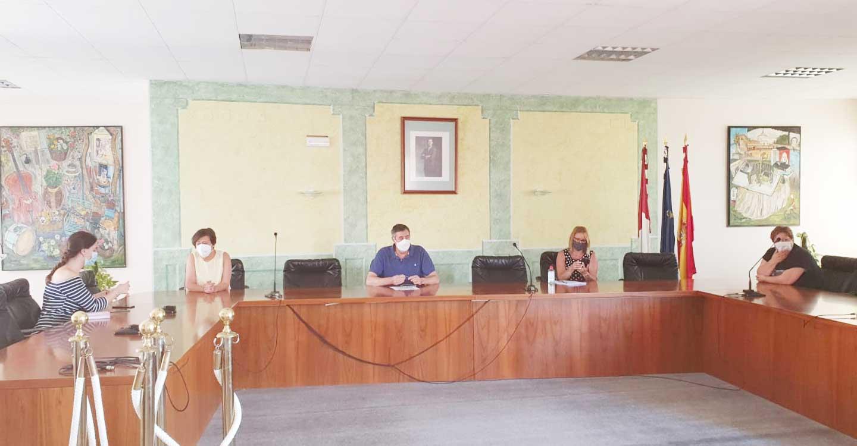 Santa Cruz de Mudela, Torrenueva y Castellar mantienen una reunión con Educación y Sanidad para garantizar una vuelta a las aulas segura