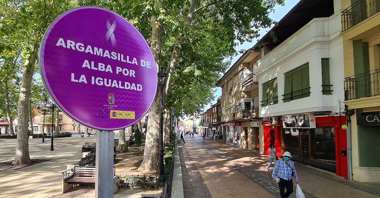 """""""Señales viales"""" contra la violencia machista en Argamasilla de Alba"""