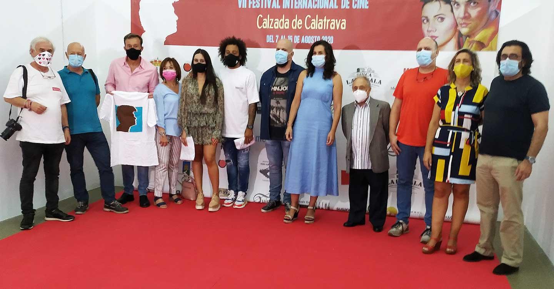 El VII Festival Internacional de Cine de Calzada de Calatrava se ambienta en tormenta casi tropical para recibir al elenco de 'Urubú', cuyo argumento en la selva amazónica homenajea a Chicho Ibáñez Serrador