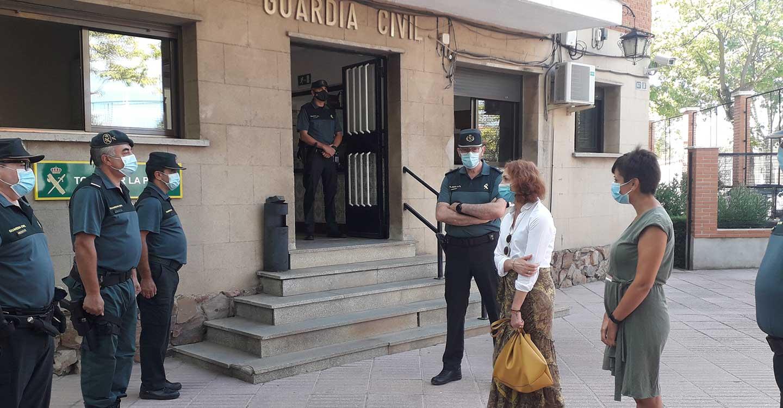 La subdelegada del Gobierno visita la Comisaría de la Policía Nacional y la 2ª Compañía de la Guardia Civil