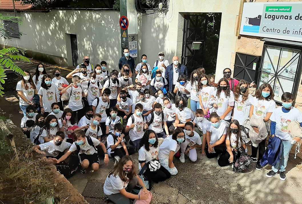 """El Gobierno de Castilla-La Mancha lleva a Ruidera a los alumnos del colegio """"Gregorio Marañón"""" de Toledo, ganadores del concurso """"Supercirculares 2021"""""""
