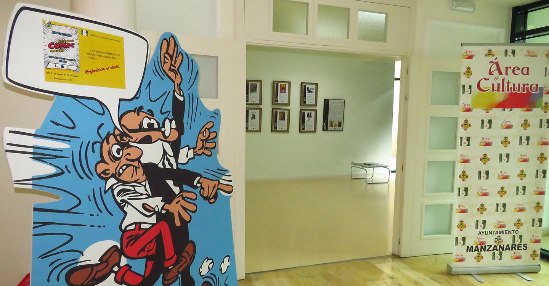 Una exposición explica la historia del cómic en la biblioteca municipal