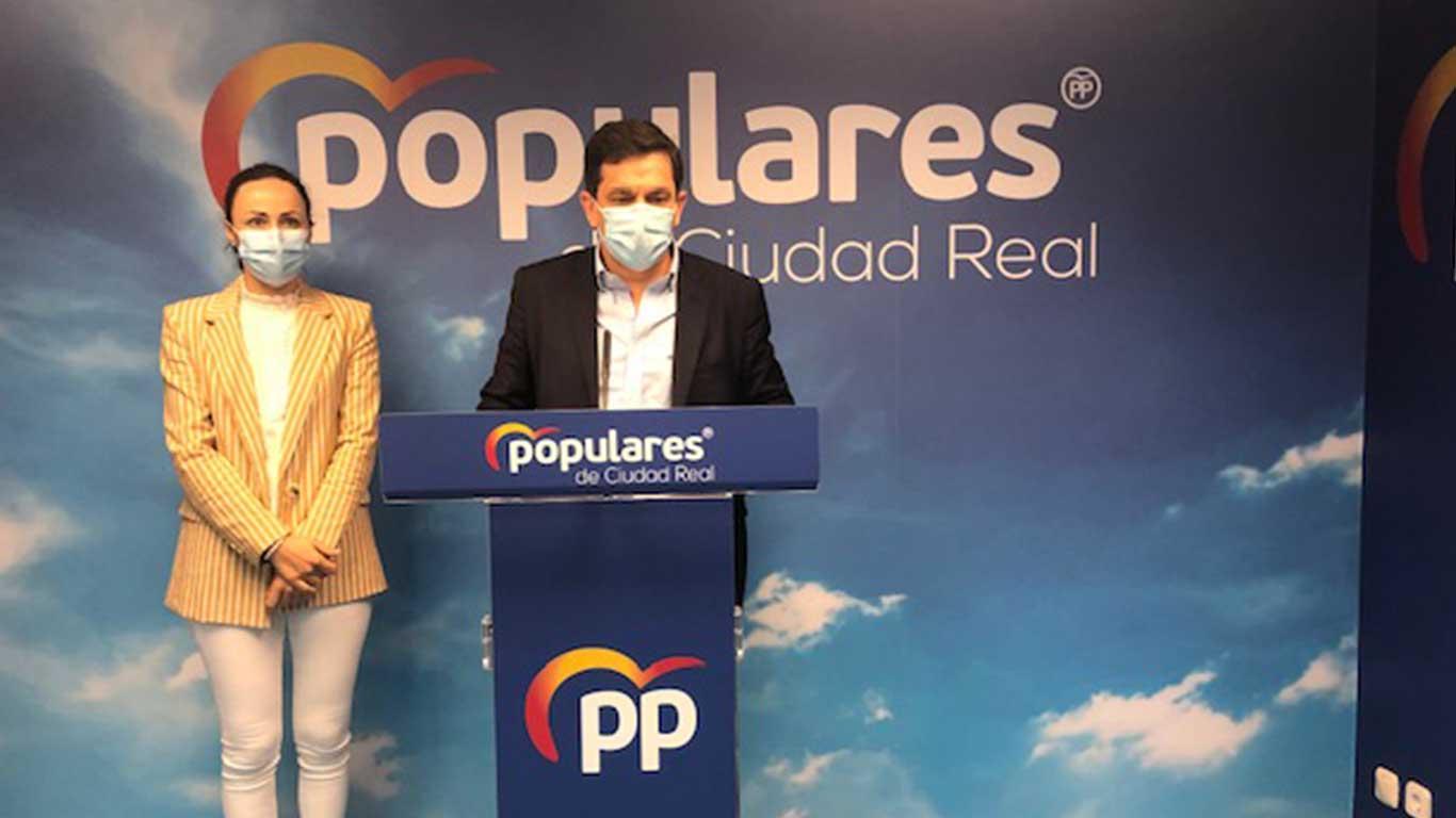 """Valverde : """" Los ciudadanos no nos merecemos un presidente que desprecie y amenace  la labor responsable y al pie del cañon  de los ayuntamientos durante la pandemia"""
