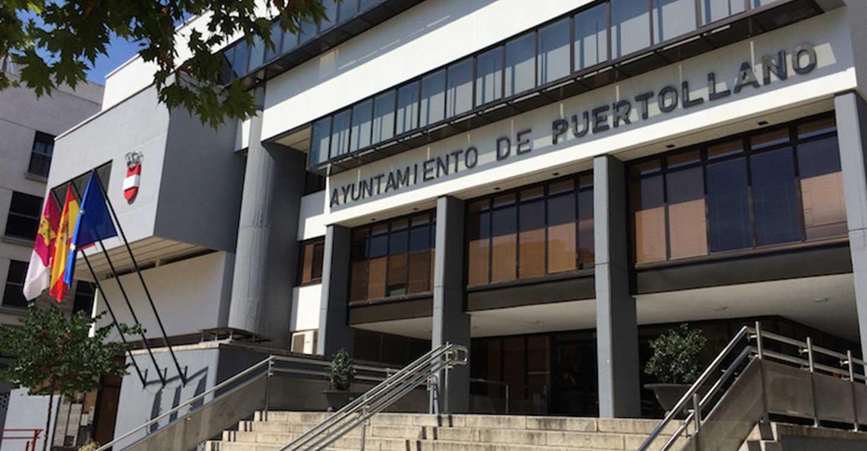 Los vecinos de Puertollano ya pueden pagar los tributos municipales en Correos