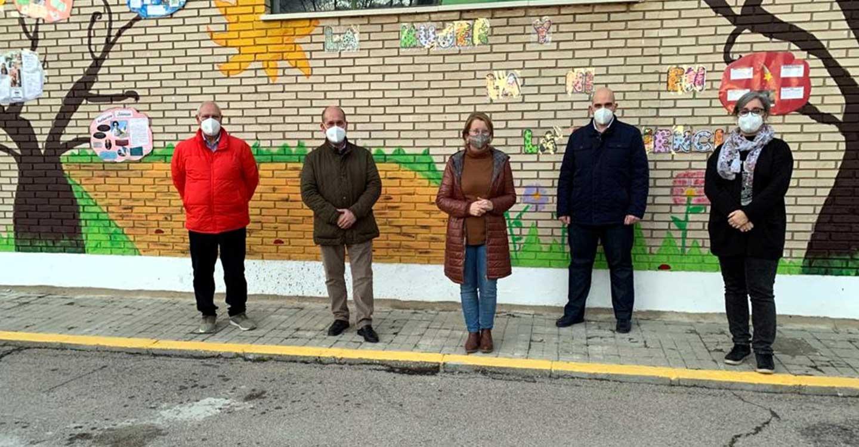 El equipo de Gobierno municipal de Villarrubia de los Ojos estudia con la dirección del CEIP Virgen de la Sierra medidas antivandalismo