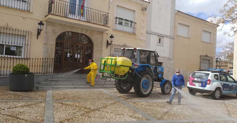 Villarta de San Juan desinfecta sus calles y lugares de tránsito ...