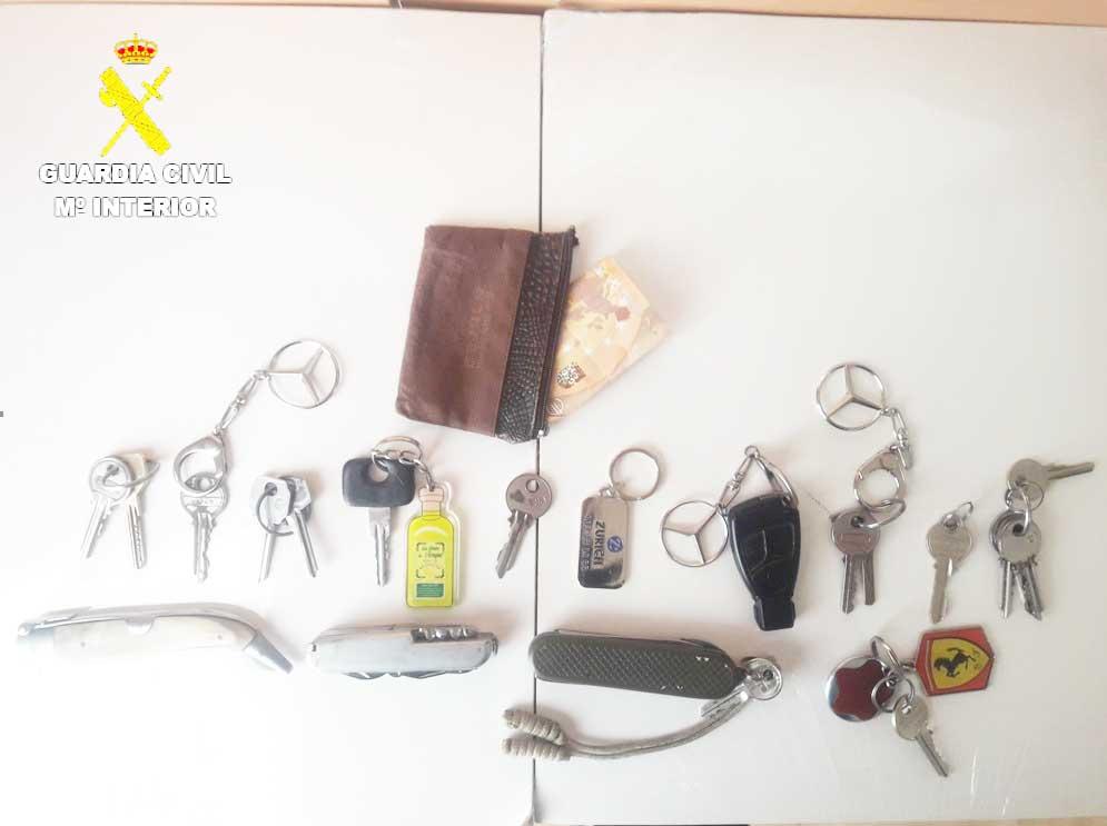 La Guardia Civil de Cuenca detiene a una persona por un delito de robo en un domicilio y un hurto en el interior de un vehículo