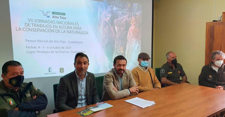 El Gobierno regional reúne en el Alto Tajo a agentes medioambientales de 13 comunidades autónomas para intercambiar protocolos y formación
