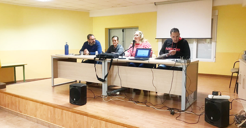 El director general de Coordinación y Planificación acompaña a la Asociación de Vecinos 'Juan de Goyeneche' de Illana (Guadalajara) en la celebración del 40 aniversario de la Constitución