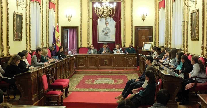 El alcalde, Antonio Román, presidió el Consejo de la Infancia celebrado ayer