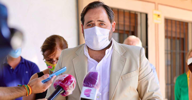 Núñez reclama a Page que inicie los trámites para la contratación de 5.000 sanitarios más para reforzar el sistema sanitario regional