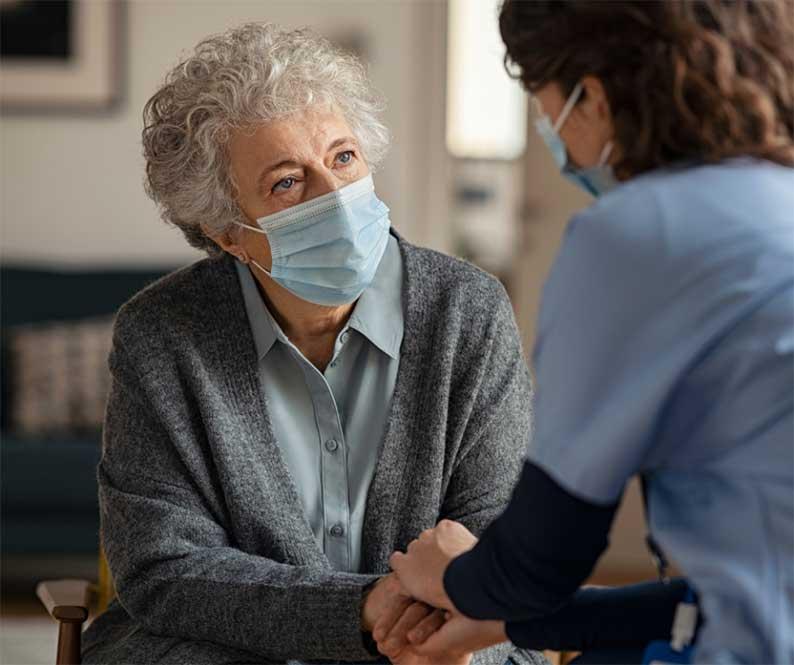 El Gobierno de Castilla-La Mancha flexibiliza las visitas a residencias de personas  mayores en la nueva resolución de medidas preventivas contra la Covid-19 en centros residenciales