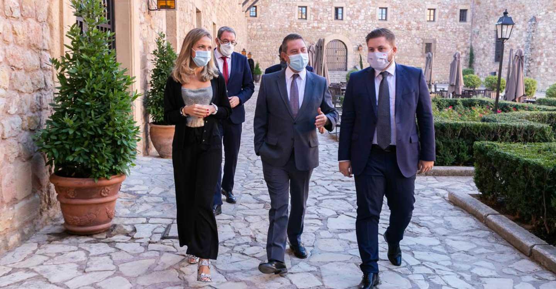 """García-Page anuncia una inversión de 90 millones de euros para que """"todos los edificios públicos de Castilla-La Mancha"""" se abastezcan con energías renovables"""