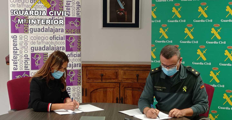 La Guardia Civil de Guadalajara y el Colegio Oficial de Farmacéuticos de Guadalajara  firman un procedimiento operativo de colaboración