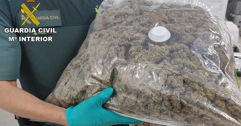La Guardia Civil de Guadalajara detiene una persona por tráfico de drogas en Illana